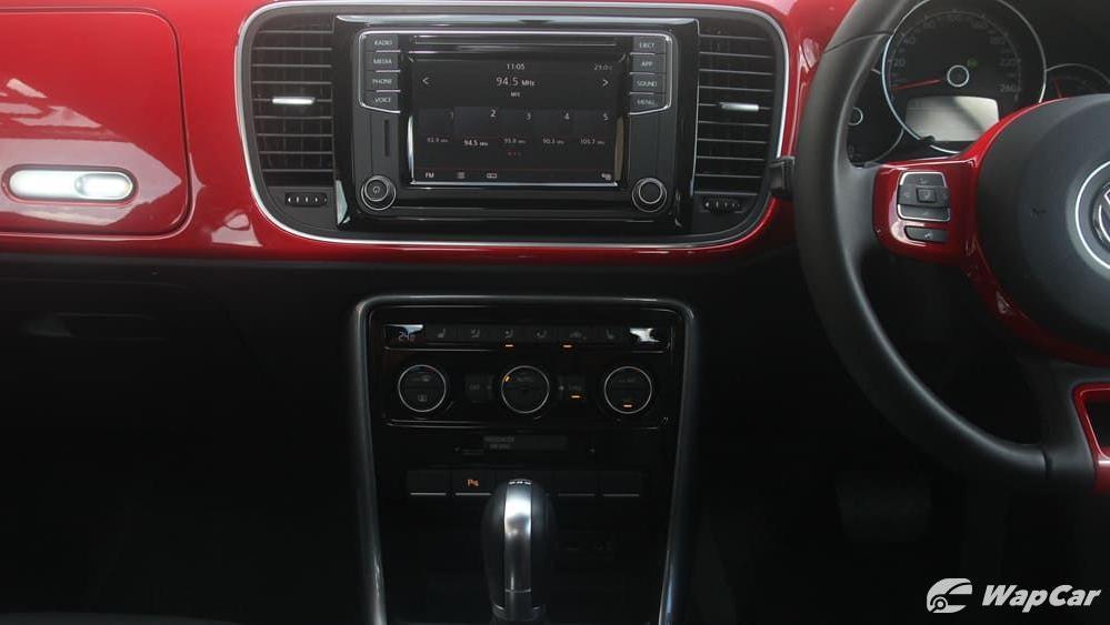 2018 Volkswagen Beetle 1.2 TSI Sport Interior 003
