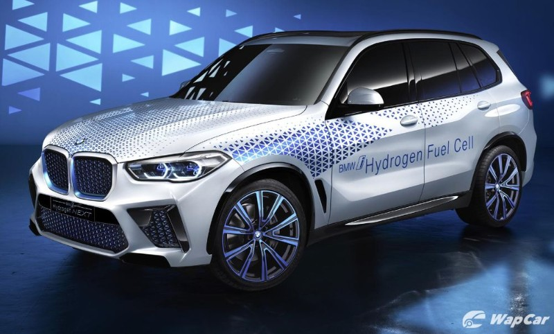 BMW and Mercedes PAUSE on collaboration, timing is not right 02