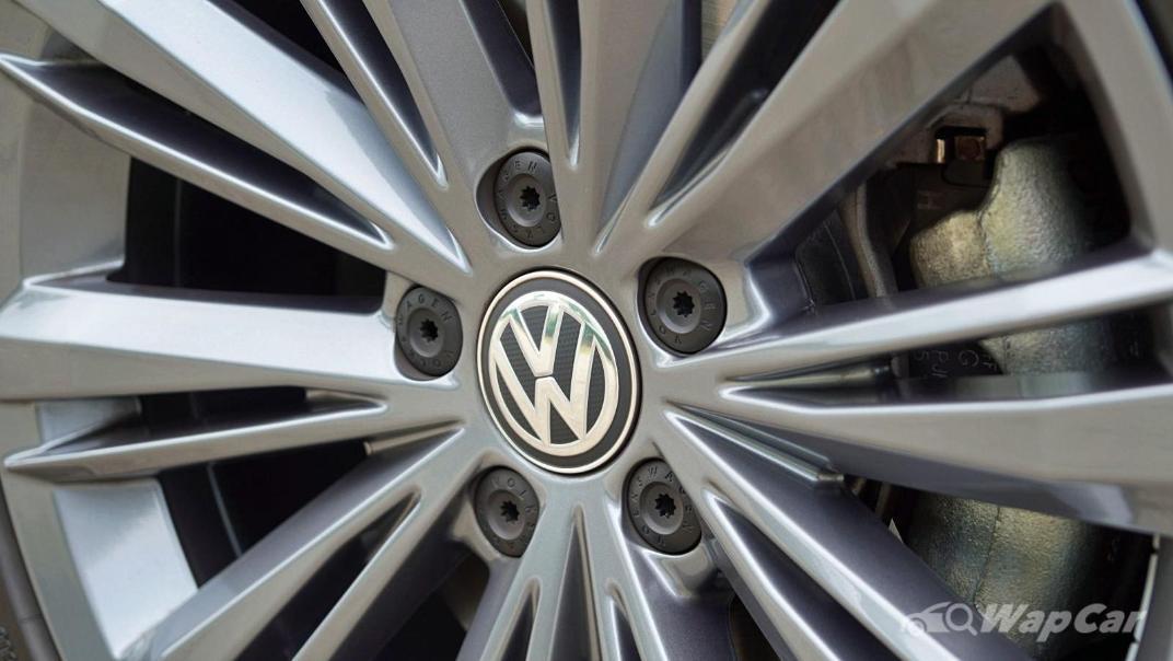 2020 Volkswagen Passat 2.0TSI Elegance Exterior 032