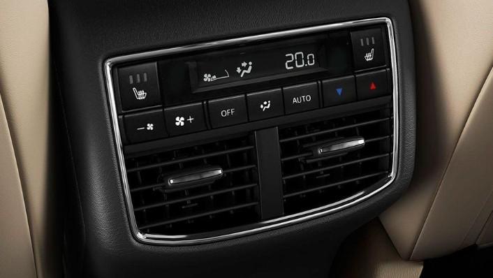 Mazda CX-9 (2018) Interior 008