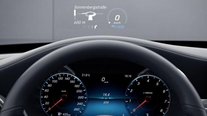 Mercedes-Benz C-Class Coupe (2019) Interior 002