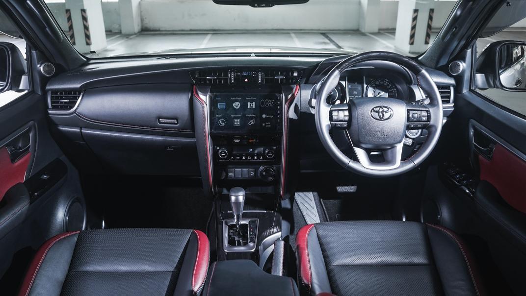 2021 Toyota Fortuner 2.8 VRZ AT 4x4 Interior 001