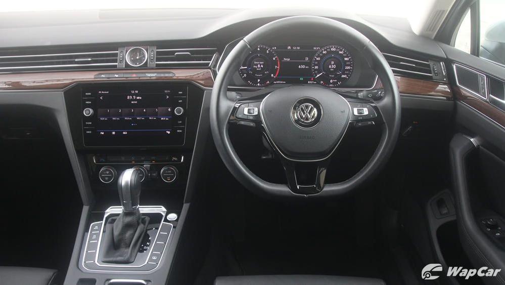 2018 Volkswagen Passat 2.0 TSI Highline Interior 007