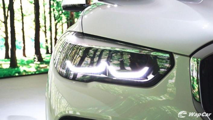 2020 BMW X5 xDrive45e M Sport  Exterior 010
