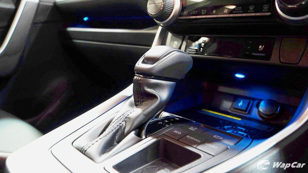 2020 Toyota RAV4 2.5L Interior 069