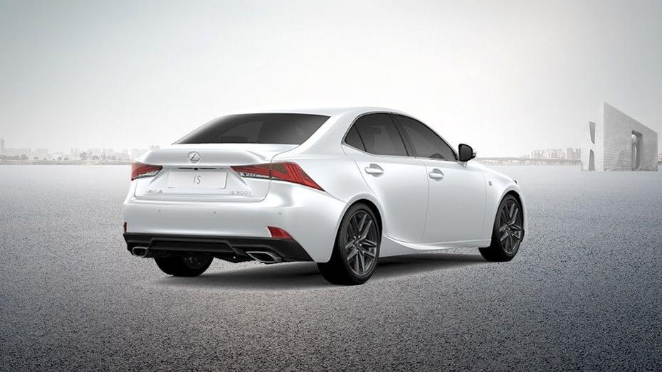 Lexus IS (2018) Exterior 006