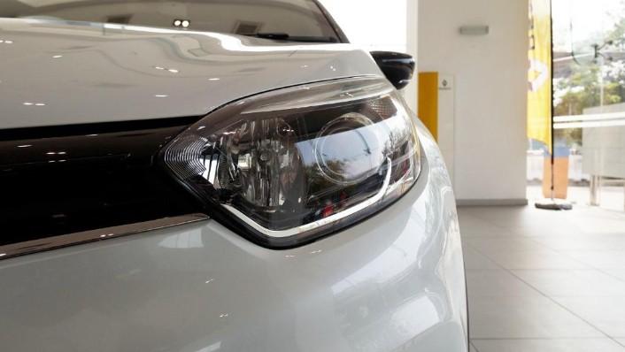 2017 Renault Captur TCe 120 EDC (CKD) Exterior 005