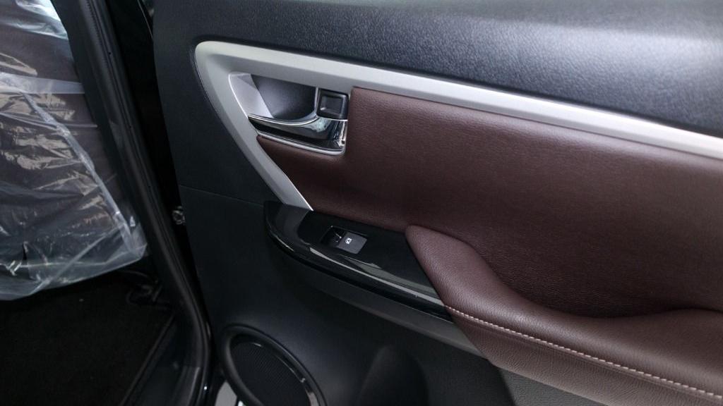 2018 Toyota Fortuner 2.7 SRZ AT 4x4 Interior 034