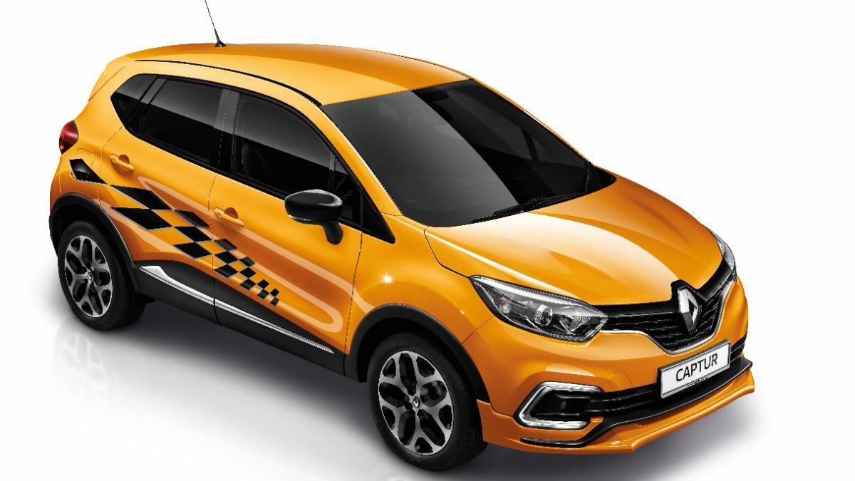 Limited Edition Renault Captur Trophy front quarter view
