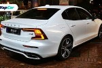 Would you like a pre-reg Volvo S60 CBU for RM 22k less or a full price updated S60 CKD at RM 296k?