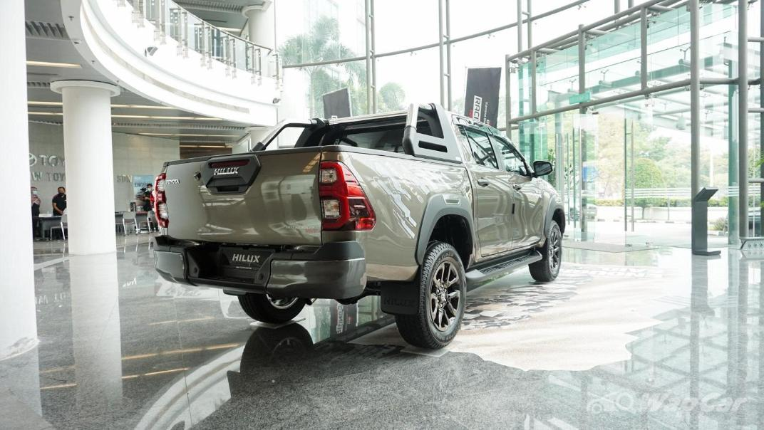 2020 Toyota Hilux Double Cab 2.8 Rogue AT 4X4 Exterior 063