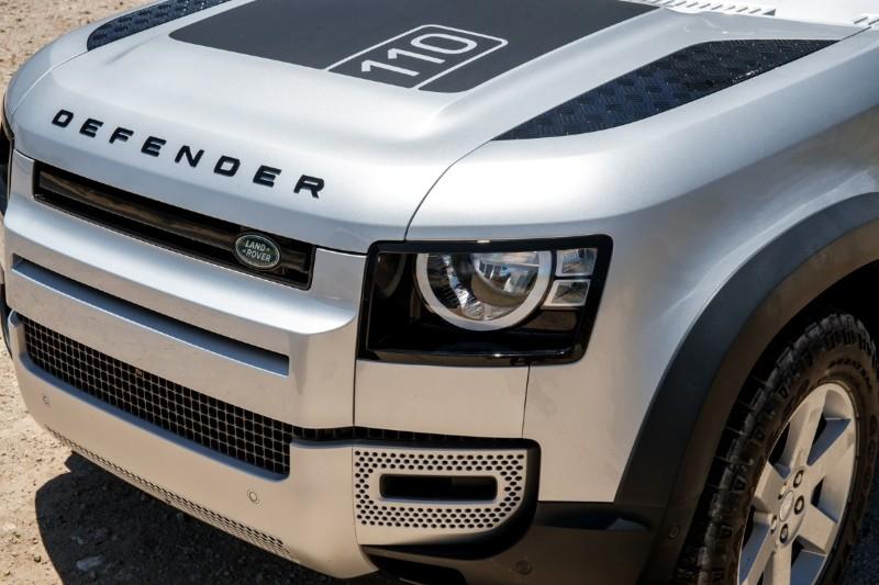 2020 Land Rover Defender front end