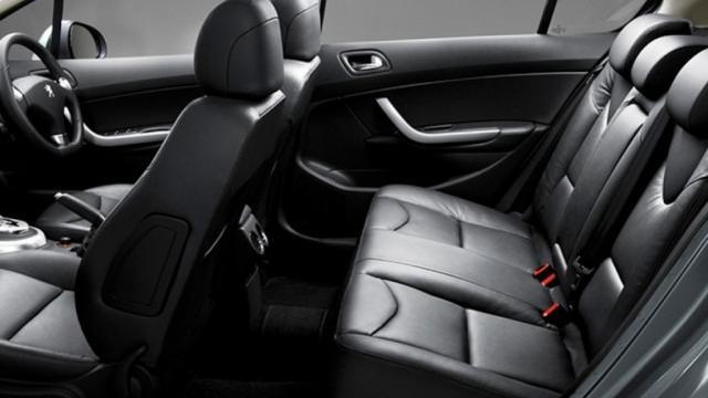 Peugeot 408 (2019) Interior 005