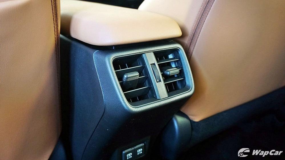 2020 Lexus UX 200 Luxury Interior 047