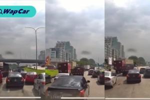 Lihat: Nissan Almera menyekat laluan ambulans