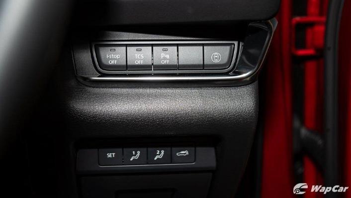2019 Mazda 3 Sedan 2.0 SkyActiv High Plus Interior 008