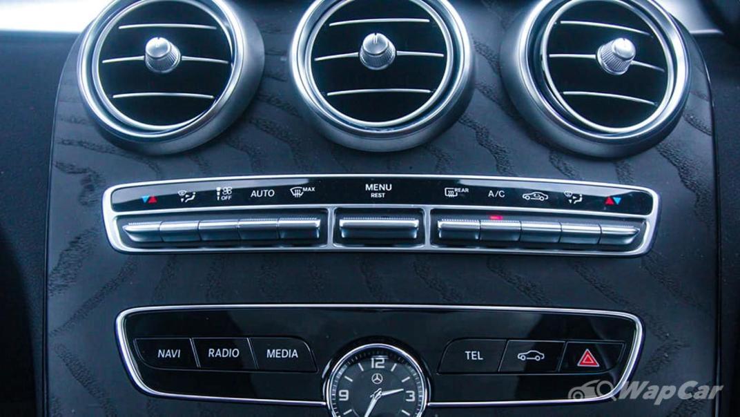 2018 Mercedes-Benz C-Class C 300 AMG Line Interior 017