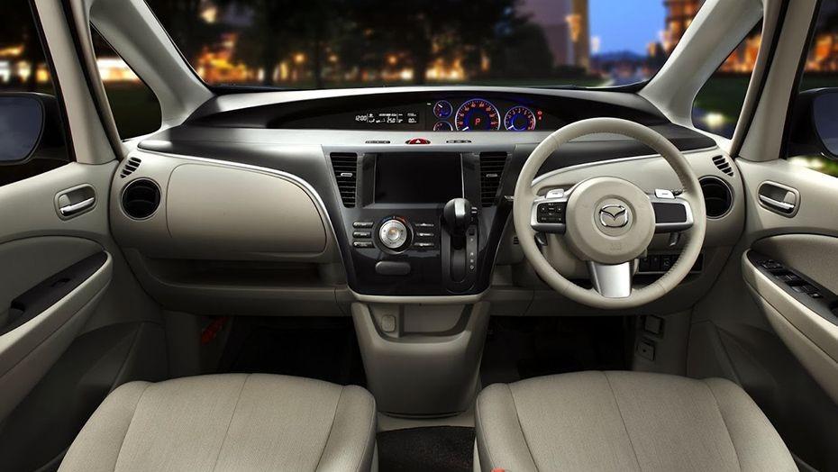 Mazda Biante (2017) Interior 001