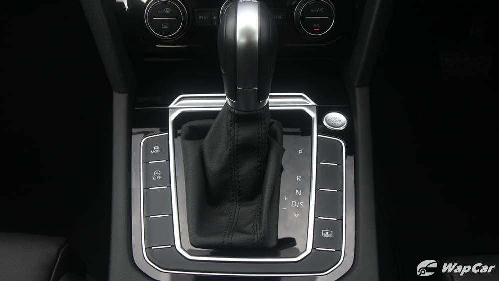2018 Volkswagen Passat 2.0 TSI Highline Interior 027