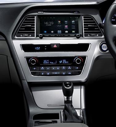Hyundai Sonata (2017) Interior 003