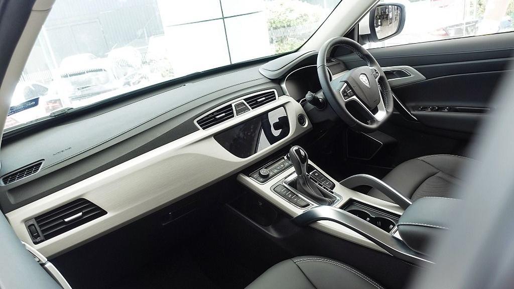 2018 Proton X70 1.8 TGDI Executive AWD Interior 003