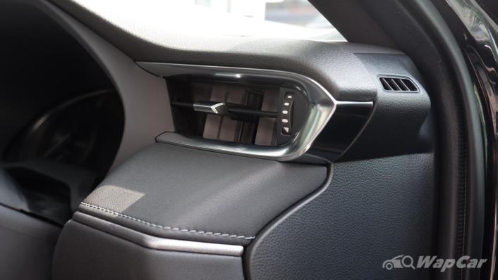 2021 Toyota Harrier 2.0 Luxury Interior 010