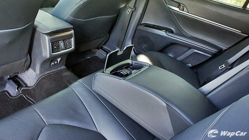 2019 Toyota Camry 2.5V Interior 112