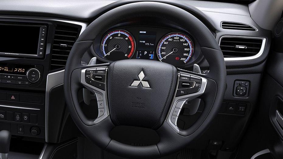 Mitsubishi Triton (2019) Interior 002