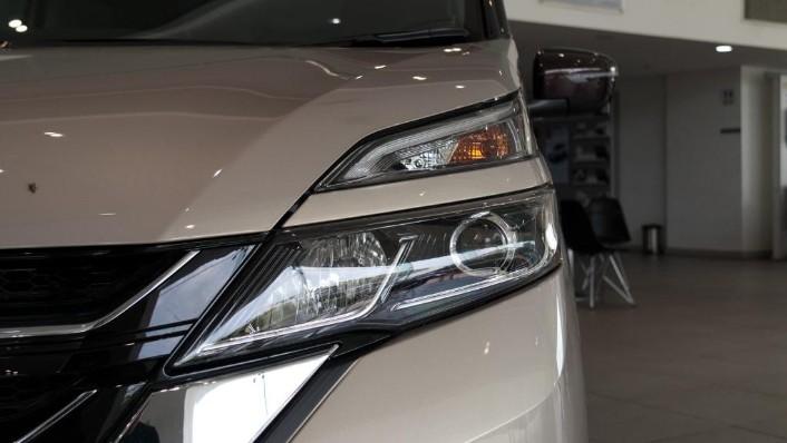 2018 Nissan Serena S-Hybrid Highway Star 2.0 Exterior 004