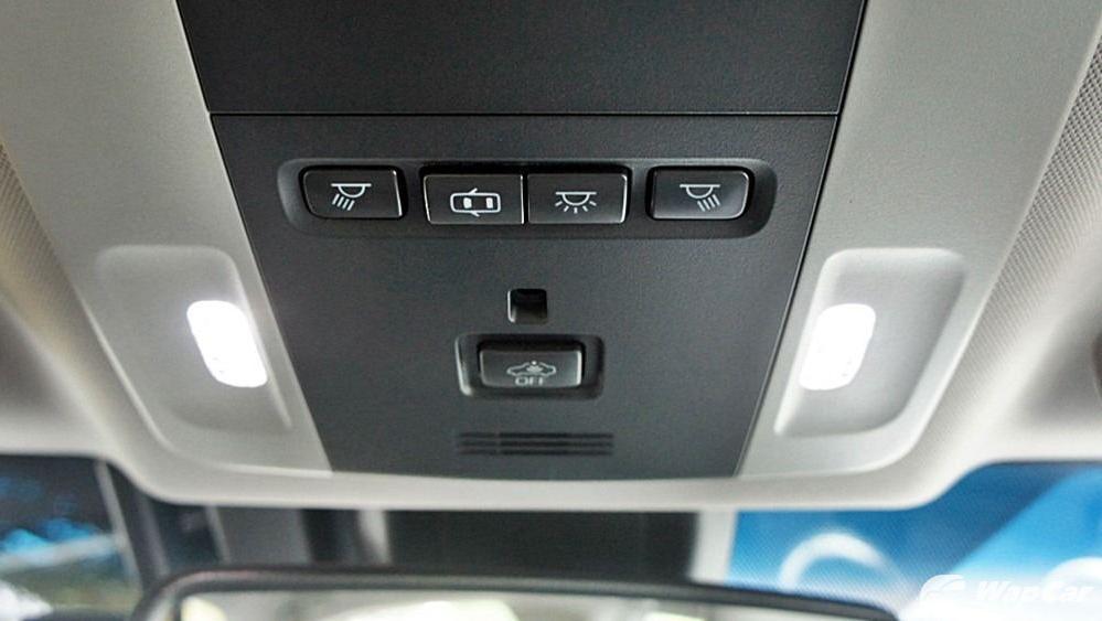 2019 Toyota Camry 2.5V Interior 120