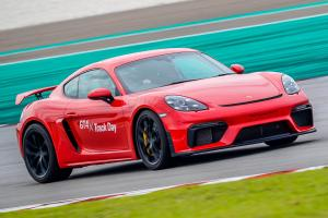 Review: Porsche 718 Cayman GT4, a perfectly irrational middle finger to turbo+DCT  sports cars