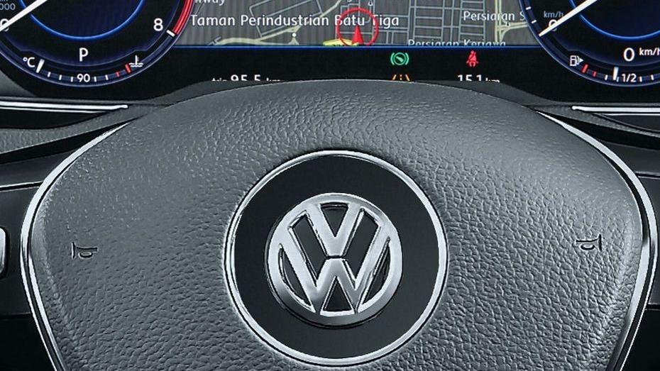 Volkswagen Passat (2018) Interior 004