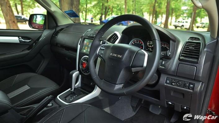 2019 Isuzu D-MAX 1.9L 4x4 AT-P Interior 002
