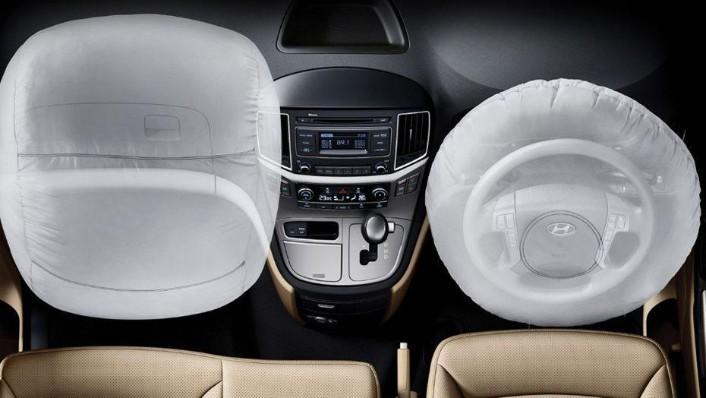 Hyundai Grand Starex (2018) Interior 001