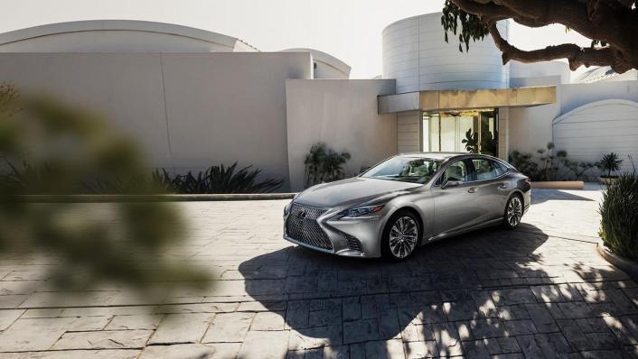 2020 Lexus LS Exterior 003