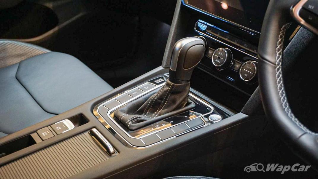 2020 Volkswagen Arteon 2.0 TSI R-Line Interior 010