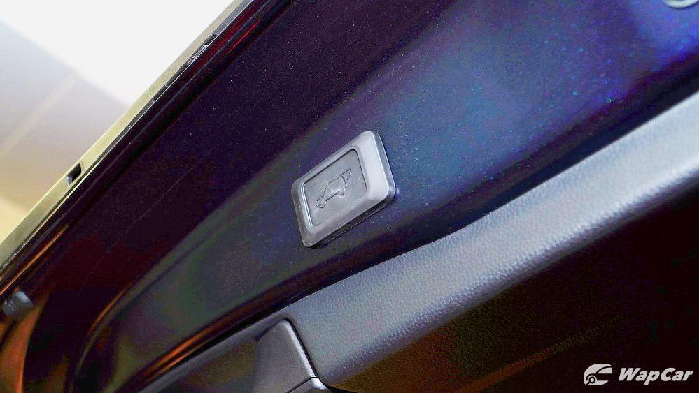 2020 Toyota RAV4 2.5L Interior 092