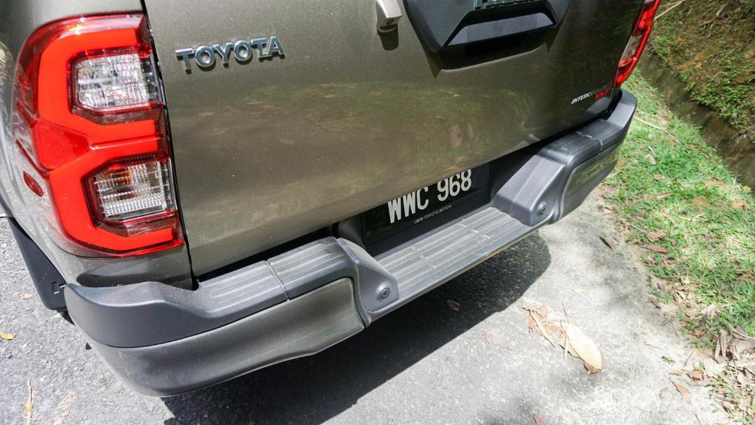 2020 Toyota Hilux Double Cab 2.8 Rogue AT 4X4 Exterior 076