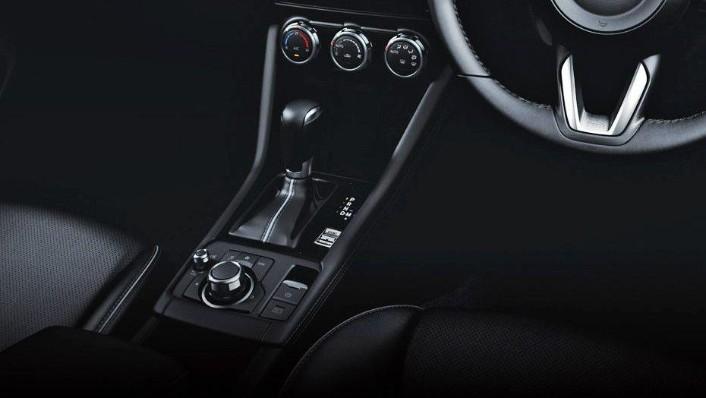 Mazda CX-3 (2018) Interior 004