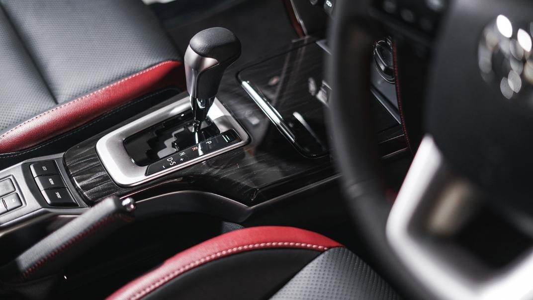 2021 Toyota Fortuner 2.8 VRZ AT 4x4 Interior 004