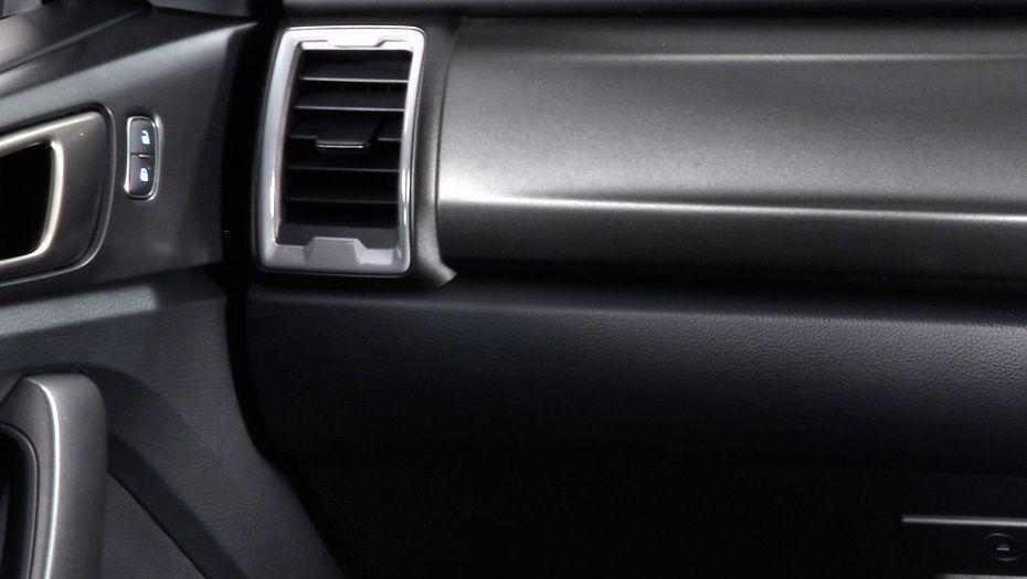 Ford Ranger (2019) Interior 008