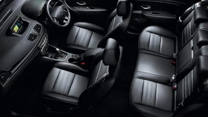 Renault Fluence (2019) Interior 005