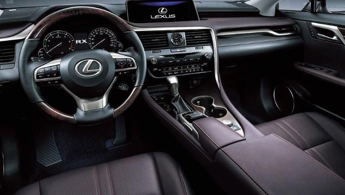 Lexus RX (2018) Interior 001