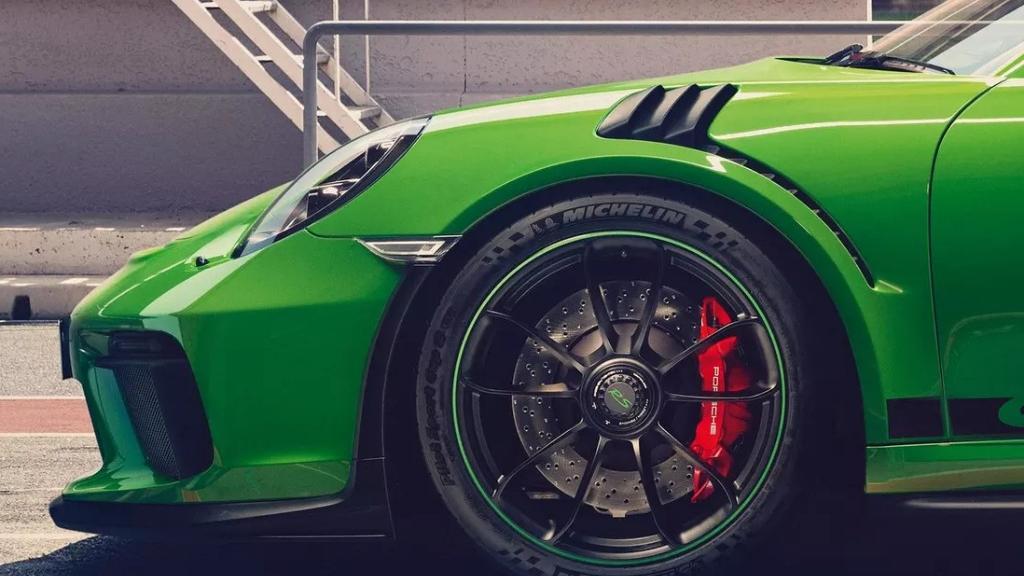 2019 Porsche 911 GT3 RS Exterior 008