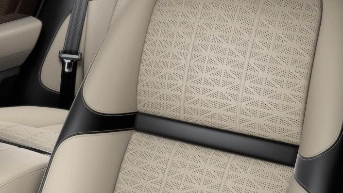 Land Rover Range Rover Velar (2018) Interior 009