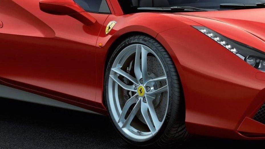Ferrari 488 (2015) Exterior 031