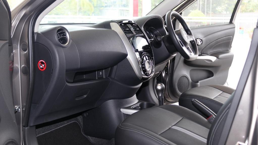 2018 Nissan Almera 1.5L VL AT Interior 003