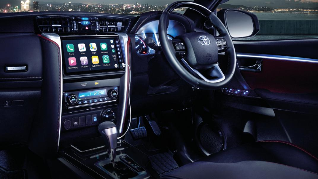 2021 Toyota Fortuner 2.8 VRZ AT 4x4 Interior 002
