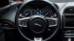 Jaguar XE (2017) Exterior 002