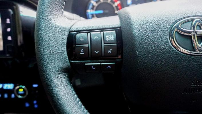 2020 Toyota Hilux Double Cab 2.8 Rogue AT 4X4 Interior 003
